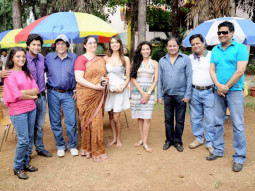 On The Sets Of The Film Neil Ko Pakadna Featuring