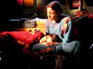 Movie Still From The Film Rivaaz,Ritisha Vijayvargya,Deepti Naval