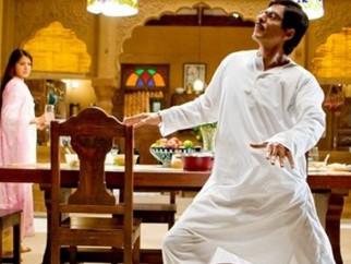 Movie Still From The Film Rab Ne Bana Di Jodi,Anushka Sharma,Shahrukh Khan