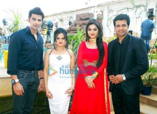 Rohit Bakhshi,Jayshri Soni,Ragini Nandwani,Sachin Shroff