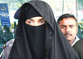 Mallika arrives in burqa to shoot for Dirty Politics