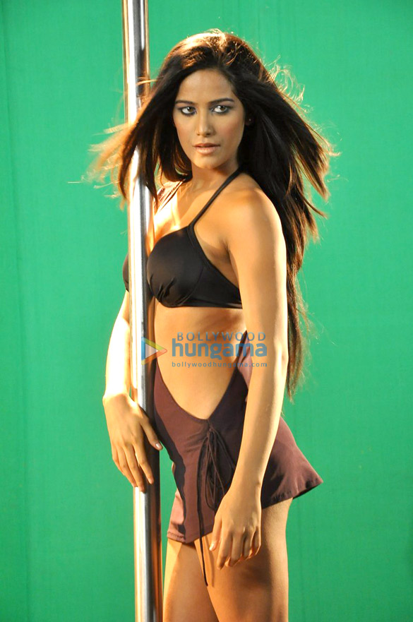 Poonam Pandey shoots a promotional video for 'Nasha'