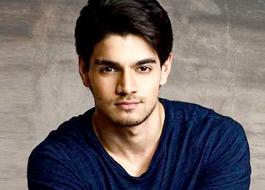 Sooraj-Aathiya's Hero to open on Valentine's Day?