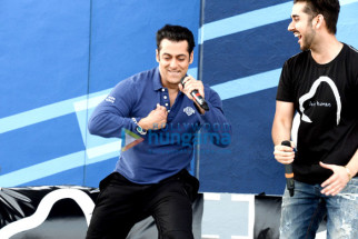 Salman Khan, Vinay Virmani