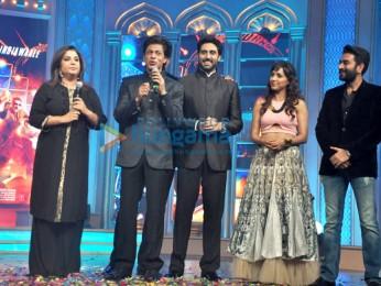 Farah Khan, Shah Rukh Khan, Abhishek Bachchan, Neeti Mohan, Shekhar Ravjiani