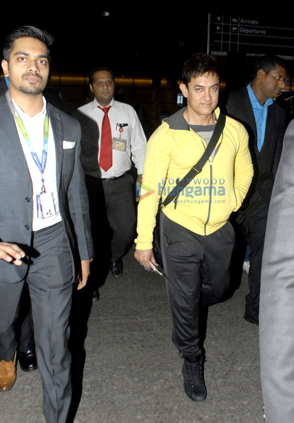 Aamir Khan & Anushka Sharma snapped returning from Dubai promotions of 'PK'