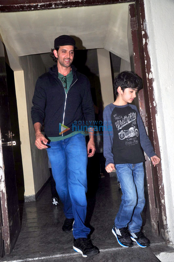 Hrithik Roshan & Zayed Khan snapped with their kids at PVR post watching 'PK'