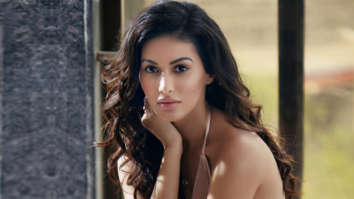 Celebrity Wallpapers of Amyra Dastur