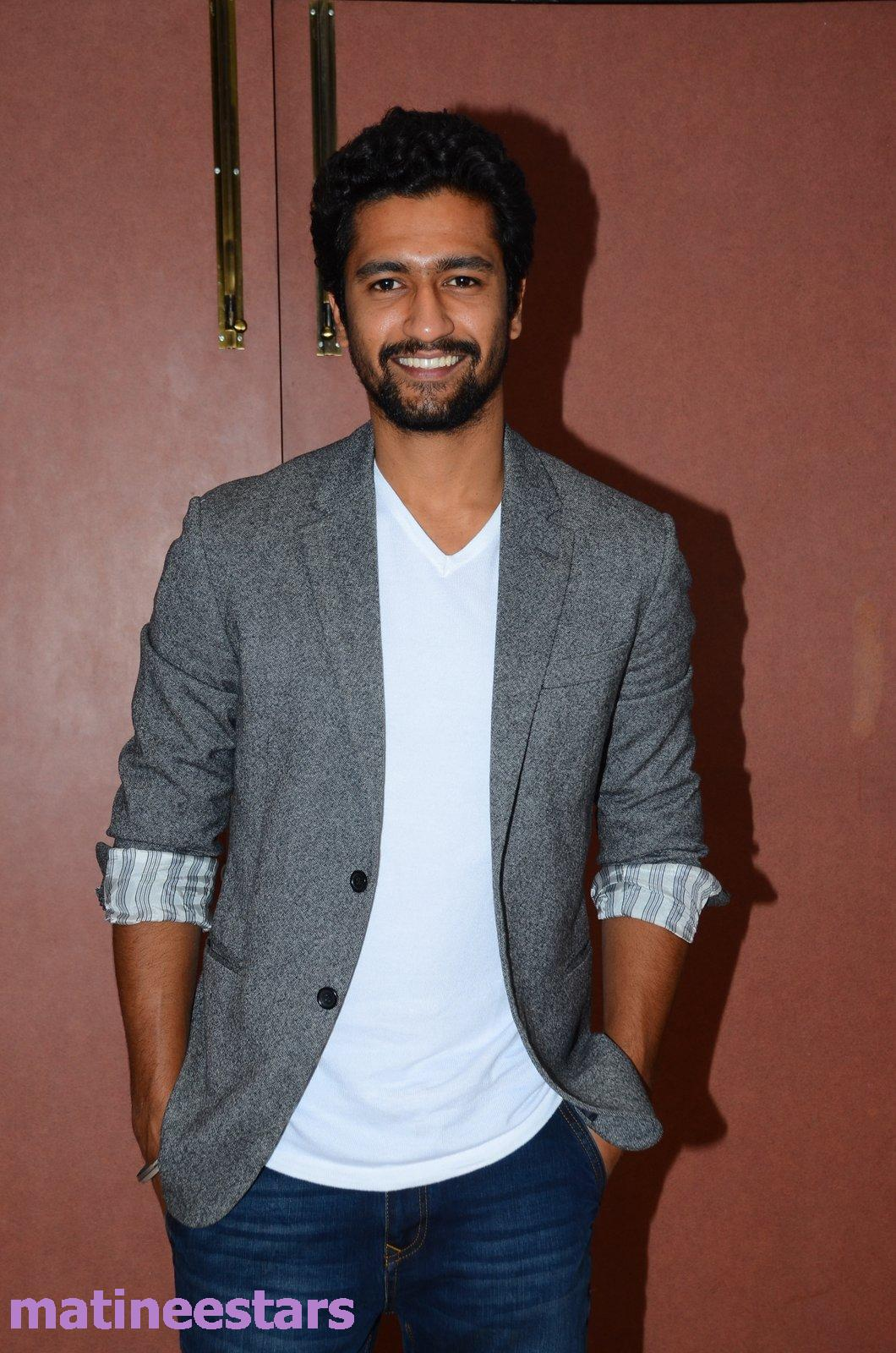 Vicky Kaushal Images Hd Wallpapers And Photos Bollywood Hungama