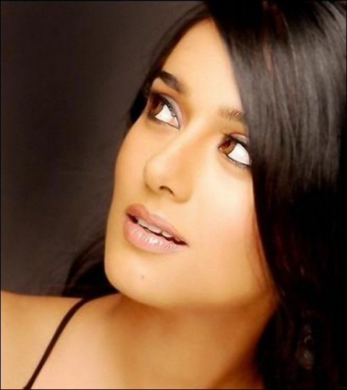 Amrita Rao's new look for Miss Players