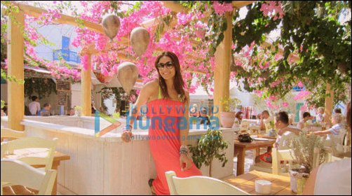 Check Out: Bipasha Basu shooting for Jodi Breakers in Greece