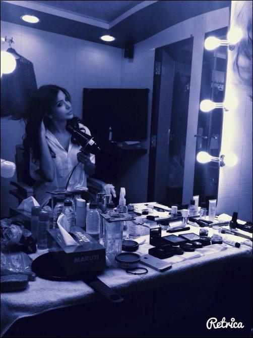 Check out: Priyanka, Anushka, Ranveer, Farhan on Dil Dhadakne Do sets