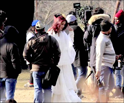 Check out: Katrina Kaif and Aditya Roy Kapur snapped during the shoot of Fitoor