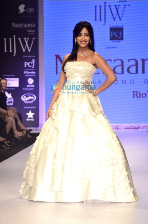 Check Out: B-Town showstoppers at IIJW Part 2