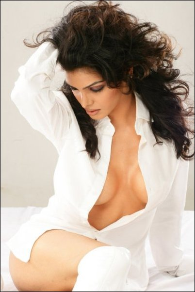 Photo Gallery: Sherlyn Chopra