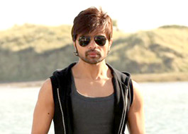 Himesh Reshammiya gives break to two singers in Teraa Surroor: A Lethal Love Story