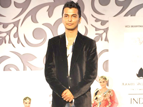 Vikram Phadnis Show at Aamby Valley City India Bridal Week 2010