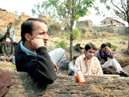 Movie Still From The Film Daayen Ya Baayen,Deepak Dobriyal,Badrul Islam