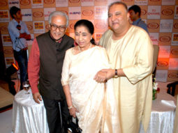 Photo Of Ameen Sayani,Asha Bhosle,Ustaad Shujaat Husain Khan From The Launch of Shujaat Khan and Asha Bhosle album 'Naina Lagai Ke'