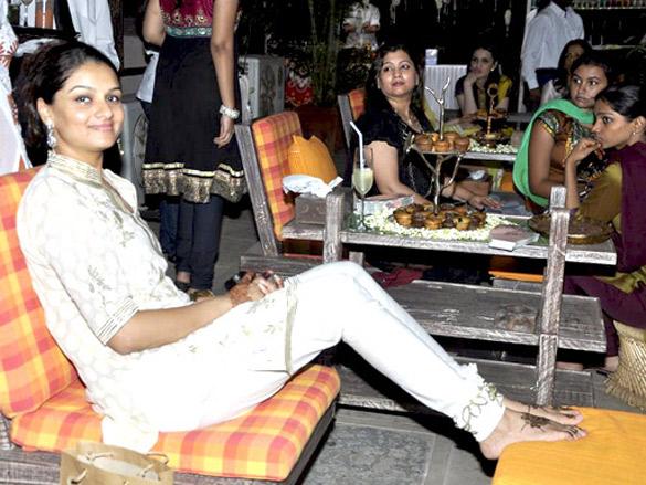 Akshay Kumar, Twinkle and Dimple grace Karva Chauth celebrations