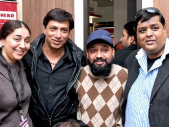 Photo Of Shalu Sabbarwal,Madhur Bhandarkar,Deepak Singh,Neeraj Gupta From The Renu and Madhur Bhandarkar at the exhibition of Sonear Studio