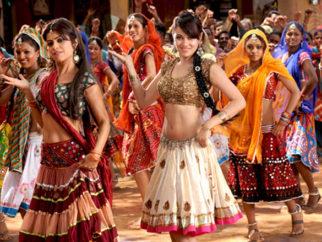 Movie Still From The Film Bin Bulaye Baarati,Priyanka Kothari,Shweta Tiwari