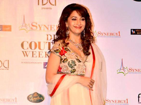 Madhuri graces Synergy1 Delhi Couture Week 2011