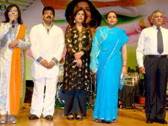 Photo Of Madhushree,Robby,Zeenat Aman,Bharti,General V K Singh From The General V K Singh at release of Madhushree's patriotic album