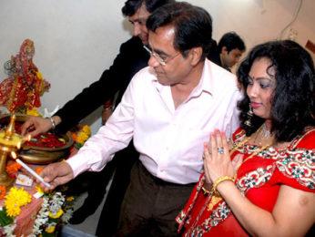 Photo Of Jagjit Singh,Rashmi Chouksey From The Launch of singer Rashmi Chouksey's music album 'Sherawali Ke Nagariya Mein'