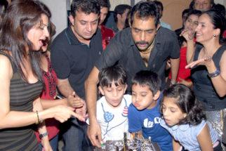 Photo Of Lopa Bhatt,Vishwajeet Pradhan,Sonalika Pradhan From The Vishwajeet Pradhan's birthday bash