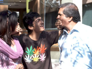 Movie Still From The Film Tere Mere Phere,Darshan Jariwala