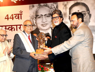 Photo Of Dr. Akhlaq Mohammed Khan Shahryar,Amitabh Bachchan From The Amitabh Bachchan felicitates Shahryar with 44th Jnanpith Award