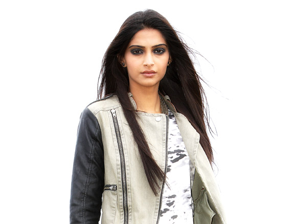 Movie Still From The Film Players,Sonam Kapoor