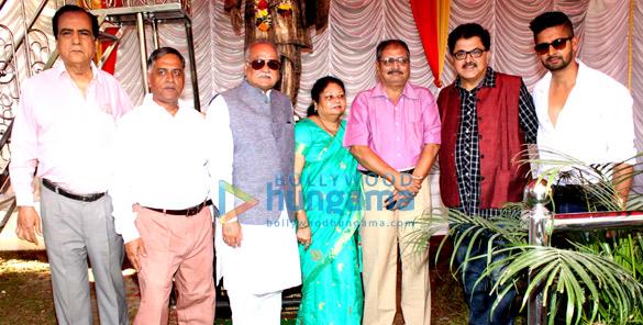 Anand Girdhar, Naresh Manhot,T P Aggarwal, Mrudula, Chandrashekhar Pusalkar, Ashoke Pandit, Ravi Dube