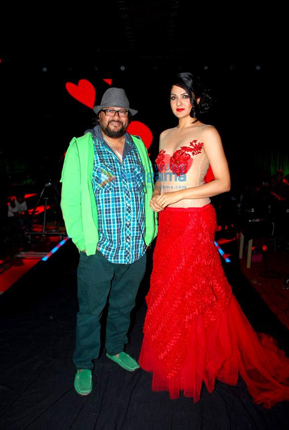Ashutosh Rana & Sakshi Talwar on location of Ismail Darbar's directorial debut
