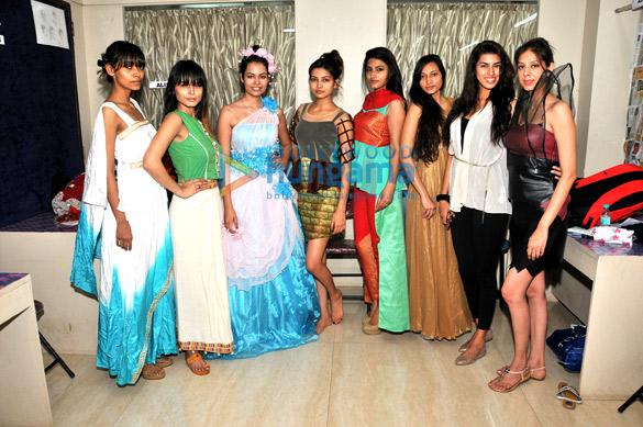 Nupura, Vijaya Day, Shrishti Rana, Vijaya Sharma, Anuja Kashyap, Nazeen, Akriti Singh, Jess Benipal