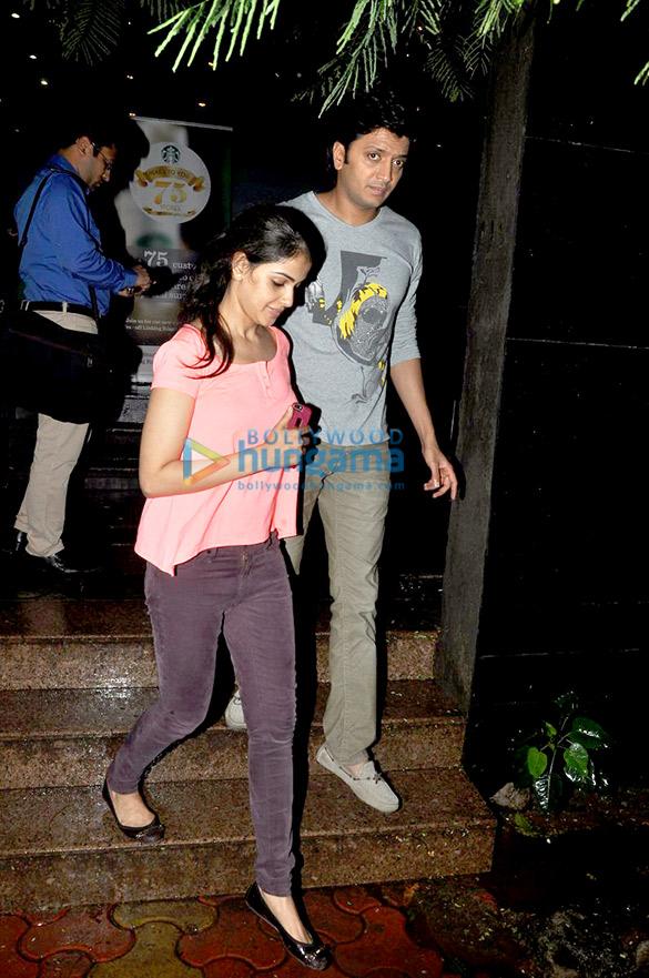 Riteish Deshmukh & Genelia Dsouza snapped at Starbucks