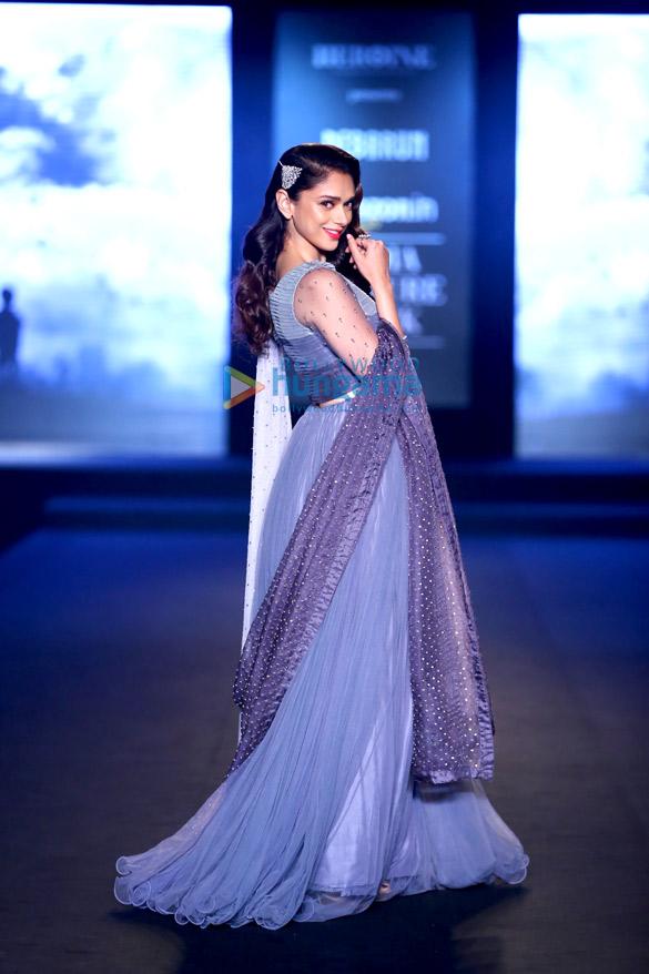 Chitrangda Singh & Aditi Rao Hydari walk for 'Debarun Press' at Amazon India Couture Week 2015
