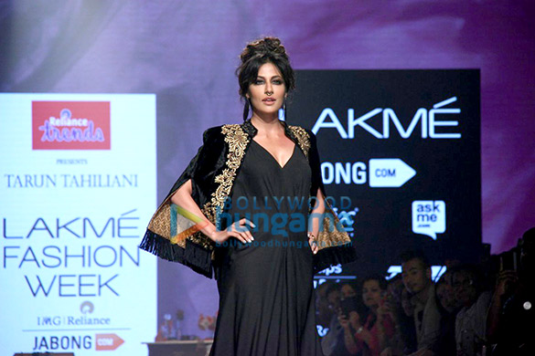 Chitrangda Singh walks the ramp for Tarun Tahiliani at the Lakme Fashion Week 2015