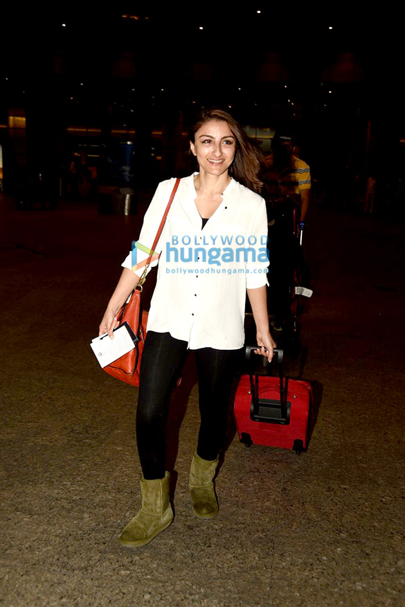 Soha Ali Khan & Kunal Khemu snapped at the airport