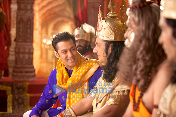 Prem Ratan Dhan Payo Official First Look - Salman Khan