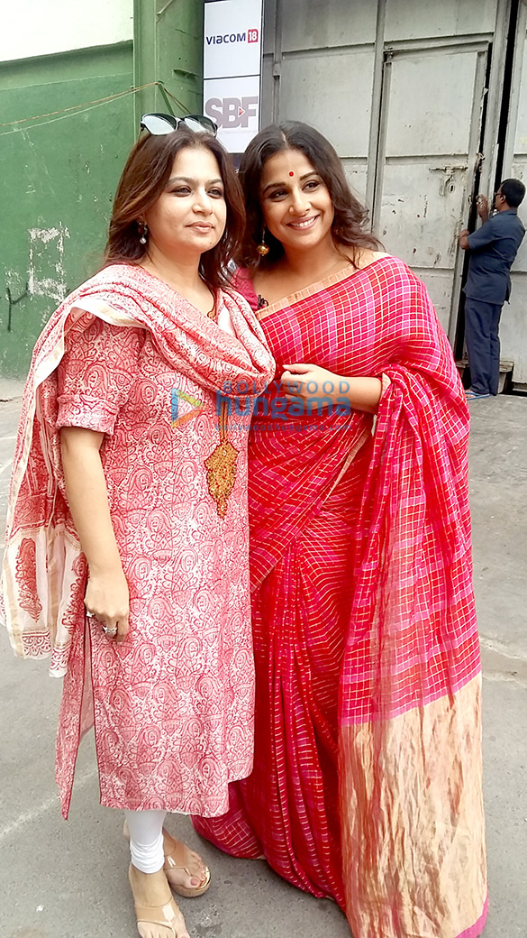 Vidya Balan poses with Rajasthan's first female coolie