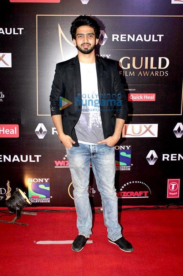 Akshay Kumar, Priyanka Chopra, Anil Kapoor grace 'Renault Sony Guild Awards 2016'
