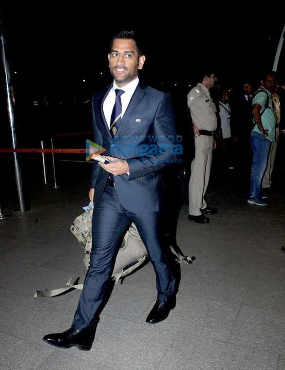 Mahendra Singh Dhoni, Virat Kohli and others snapped leaving for Australia tour