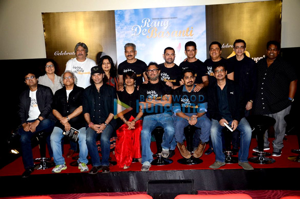 Prasoon Joshi, Mohit Chauhan, Kamlesh Pandey, Atul Kulkarni, P. S. Bharathi, Rakeysh Omprakash Mehra, Aamir Khan, Siddharth, Sharman Joshi, Ronnie Screwvala, Rensil Dsilva, Ganesh Acharya