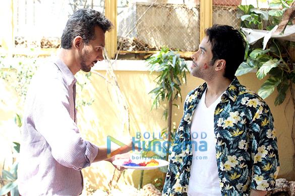 Tusshar Kapoor & Jeetendra celebrate Holi
