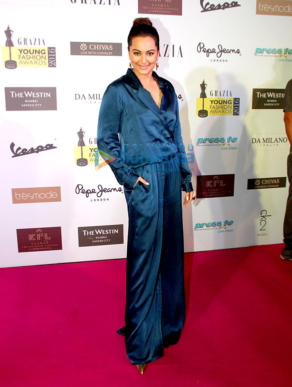 Celebs grace 'Grazia Young Fashion Awards 2016' Red Carpet