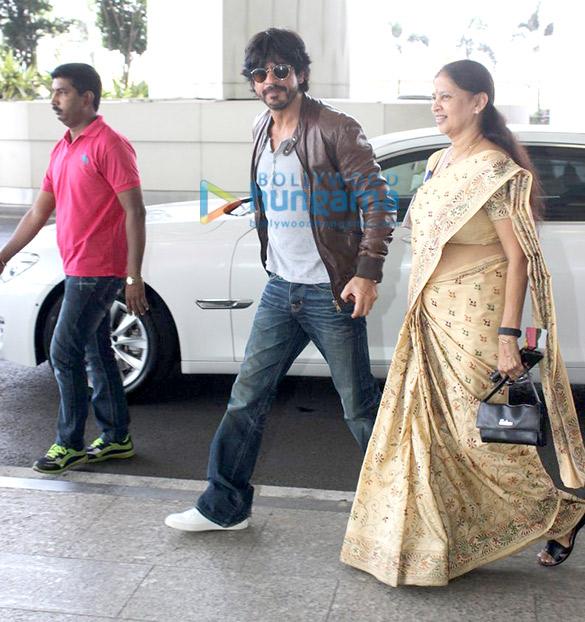Shah Rukh Khan departs to promote 'Fan' in Delhi