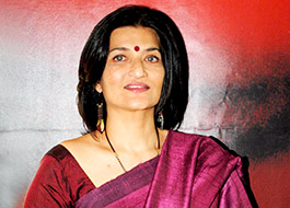Sarika to turn TV host with Savdhaan India