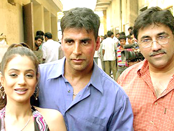 On The Sets Of The Film Mere Jeevan Saathi Featuring Ameesha Patel,Akshay Kumar